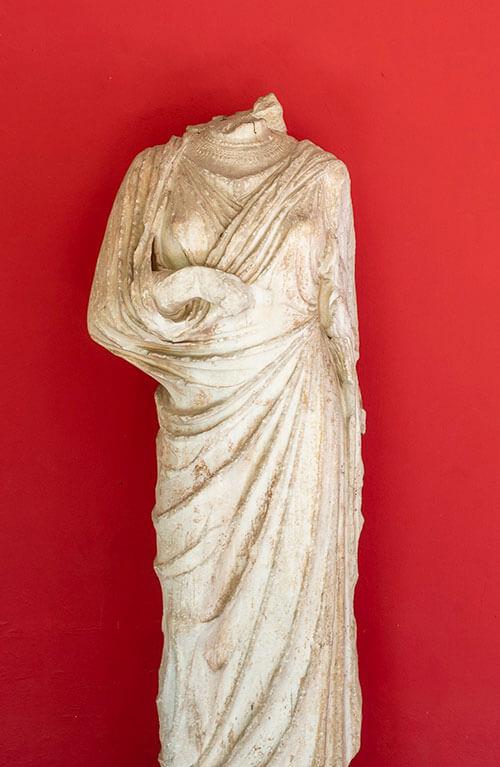 headlesscms-statue